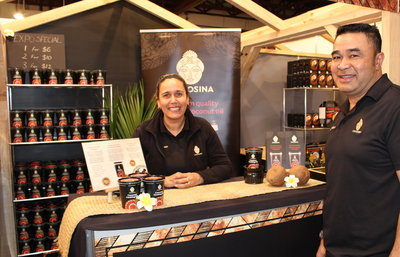 Michelle and Sasa Felise of CocoSina at the Auckland Food Show.