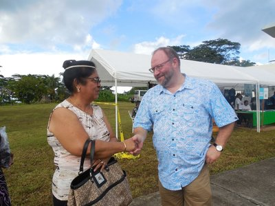 Michael Greenslade PT&I NZ Trade Commissioner greets Maurina Christian, First lady of FSM. Ms Christian bought garments at the trade fair.