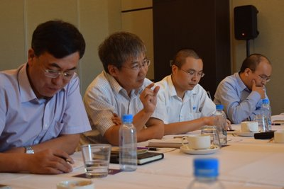 The Chinese business delegation engaged in a discussion in PNG.
